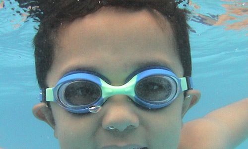 swimming with contact lenses and goggles